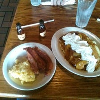 Photo taken at Cracker Barrel Old Country Store by George A. on 8/18/2013