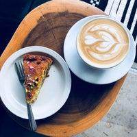 Photo prise au La Marzocco Cafe par hui j. le4/15/2018