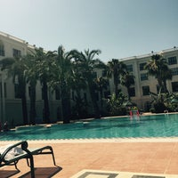 Photo taken at ICF Airport hotel At Pool by Sinem on 7/5/2015