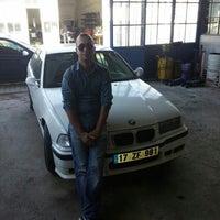 Photo taken at Hakan Mercedes-Bmw Tamir ve Bakım Servisi by Savas D. on 10/19/2015