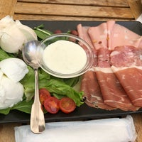 Photo taken at Obicà Mozzarella Bar by tstylecom on 4/29/2018