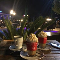 Photo taken at Robert's Coffee by İlayda D. on 3/31/2016