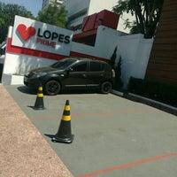 Foto tirada no(a) Lopes Consultoria Imobiliária por Álvaro R. em 12/7/2016