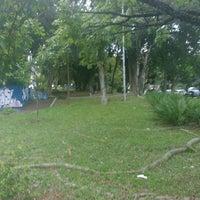 Das Foto wurde bei Praça Lions Clube Butantã von Álvaro R. am 4/18/2017 aufgenommen