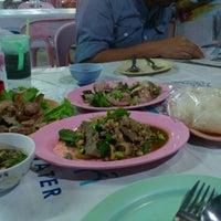Photo taken at ร้านลาบคุณลุง by I^m anniE on 10/16/2012