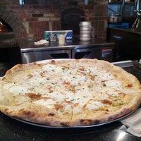 Das Foto wurde bei Best Pizza von Manny am 7/27/2013 aufgenommen