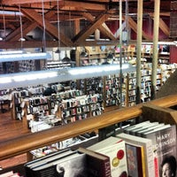 Photo prise au Elliott Bay Book Company par Brian E. le3/13/2013