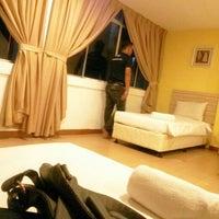 Photo taken at Hotel Sentral Kuala Terengganu by Nani M. on 9/25/2015