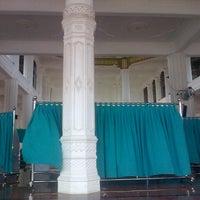 Photo taken at Masjid Al Hikmah Cunda by Nanda J. on 8/10/2013