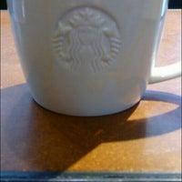 Das Foto wurde bei Starbucks von SMR am 6/13/2016 aufgenommen