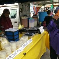 Photo taken at Bazar Ramadhan,Kamunting,Perak. by Abdullah Saad on 6/3/2017