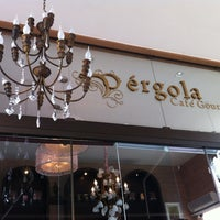 Photo taken at Pérgola Café Gourmet by Tarsys P. on 12/9/2012