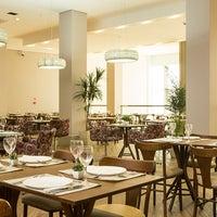 Photo taken at Restaurante Slaviero Executive Cuiabá by Slaviero Hotéis on 5/15/2014