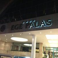 Снимок сделан в Ege Palas Business Hotel пользователем Çiğdem T. 7/15/2013