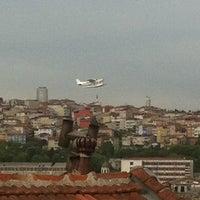 Photo taken at Balat Educa Suites by Özlem D. on 4/30/2014