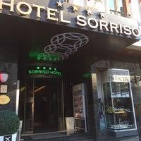 รูปภาพถ่ายที่ Hotel Sorriso โดย Adam F. เมื่อ 10/8/2013