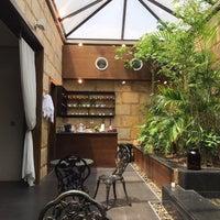 Das Foto wurde bei Shi Nail Spa von Hetaf am 8/28/2017 aufgenommen