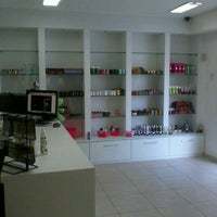 Foto tirada no(a) Doce e Pimenta Sex Shop por Paulinho K. em 8/30/2013