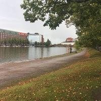 Das Foto wurde bei Kaisaniemenranta von Juhani P. am 9/16/2017 aufgenommen