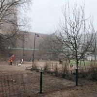 Photo taken at Tehtaanpuisto by Juhani P. on 4/24/2018