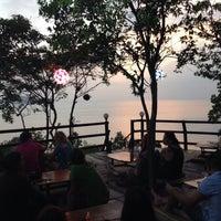Photo prise au Top Rock Bar par Miha Y. le1/6/2014