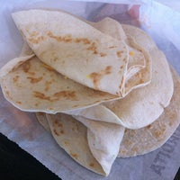 Photo taken at Taco Bell by Mario R. on 3/20/2013