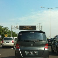 Photo taken at Toll JORR KM 01 arah BSD by Rahmat M. on 12/6/2012