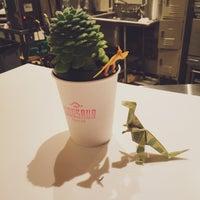 Снимок сделан в Dinosaur Coffee пользователем Suze 12/17/2014