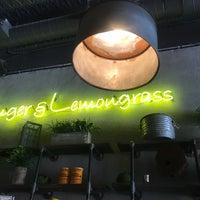 Foto diambil di Ginger & Lemongrass oleh Mary L. pada 6/17/2018