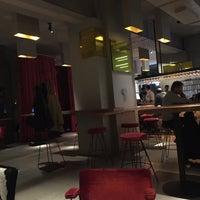 Photo taken at WEIN & CO Bar Stephansplatz by Münevver T. on 12/10/2017