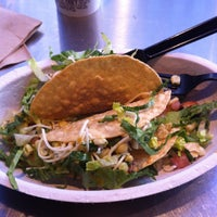 Photo taken at Chipotle Mexican Grill by Marcelo L. on 3/9/2013