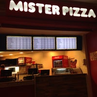 Foto tirada no(a) Mister Pizza por Fabio Henrique G. em 6/23/2014