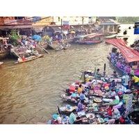 Photo taken at (อัมพวา) Amphawa by Chonticha S. on 12/29/2013