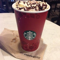 รูปภาพถ่ายที่ Starbucks โดย Яна Я. เมื่อ 11/13/2013