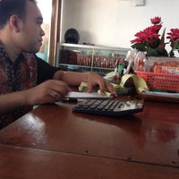 Photo taken at RM Padang Citra Bundo by Afif M. on 9/8/2014