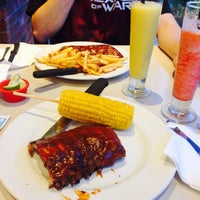 Photo taken at Chili's by Ilse R. on 4/5/2015