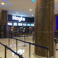 Снимок сделан в Cine Hoyts Mall Plaza Los Dominicos пользователем Karla R. 2/3/2018