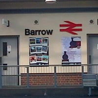 Das Foto wurde bei Barrow-in-Furness Railway Station (BIF) von Wesley Winston w. am 7/12/2014 aufgenommen