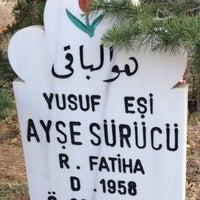 Photo taken at Karaaslan mezarlıgı by Hafize Ç. on 9/10/2016
