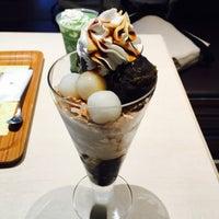 Photo taken at nana's green tea 東京スカイツリータウンソラマチ店 by 望月 on 10/28/2016