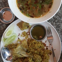 Photo taken at ข้าวหมกไก่สยาม by Pommy on 12/19/2017