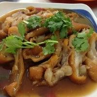 10/7/2012 tarihinde O K.ziyaretçi tarafından ร้าน ขาหมู พ4'de çekilen fotoğraf