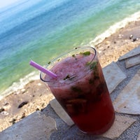 Foto tomada en Malibu Beach Bar por Sara P. el 8/15/2014