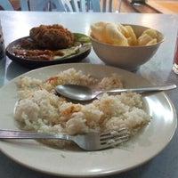 Photo taken at Restoran Ayam Penyet Jawa by Ease T. on 2/2/2013