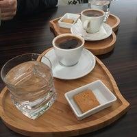 Foto tomada en Caffe Notte por Merve G. el 4/9/2017