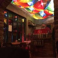 12/6/2015 tarihinde Mine A.ziyaretçi tarafından Cadıköy Cafe'de çekilen fotoğraf