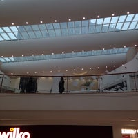 Photo taken at Victoria Shopping Centre by Alfama on 2/11/2015