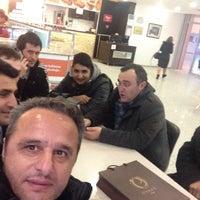 Photo taken at Elele Kafeterya by Ismail Ö. on 1/21/2016