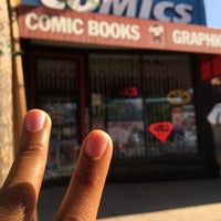Photo taken at Earth2Comics by Yueshalom E. on 9/14/2016