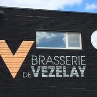 Photo taken at Brasserie De Vezelay by Annemiek J. on 7/28/2017